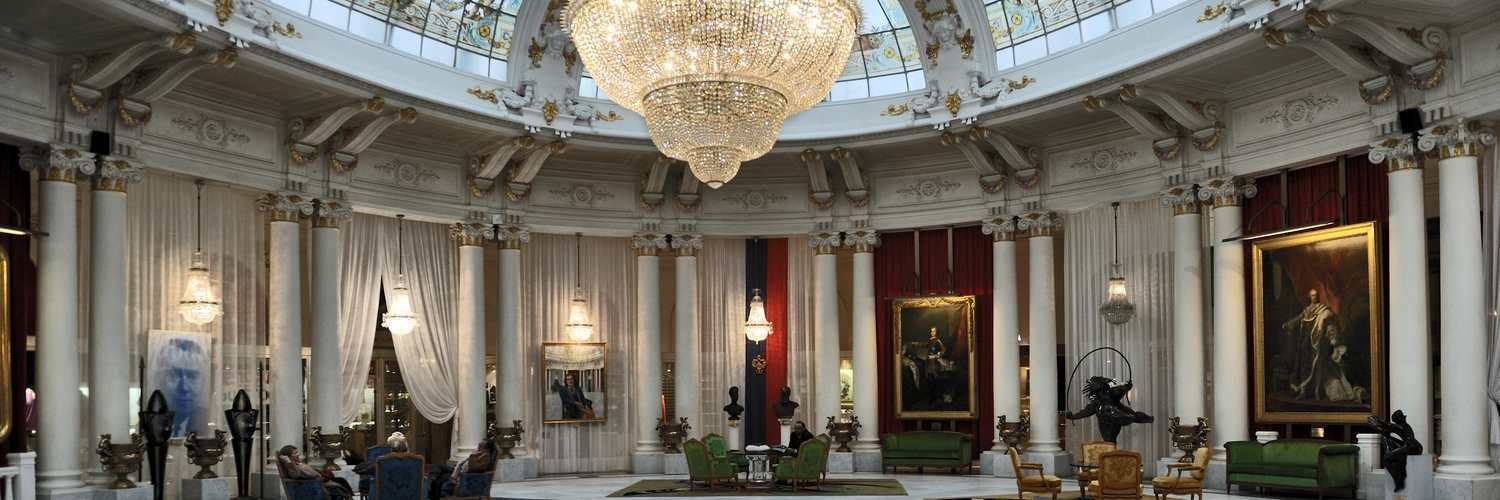 Nice_Hotel_Negresco_hall_central-1